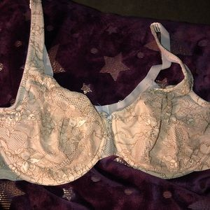 Tan lacy underwired bra